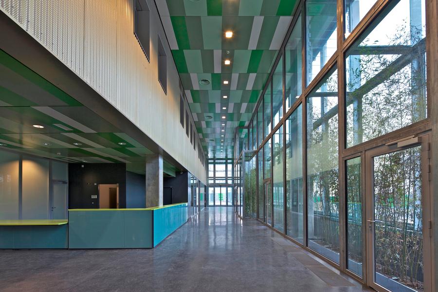 Le hall d'entrée du nouveau bâtiment Laennec de l'hôpital Necker