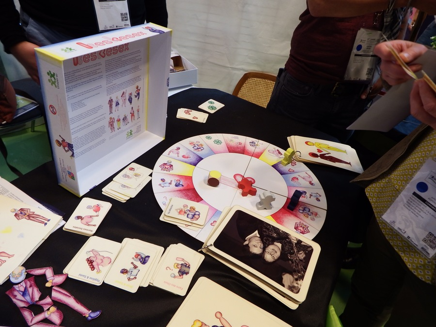 Le jeu Keskesex a été présenté en avant-première au congrès de l'Unapei les 1er et 2 juin à Lille.