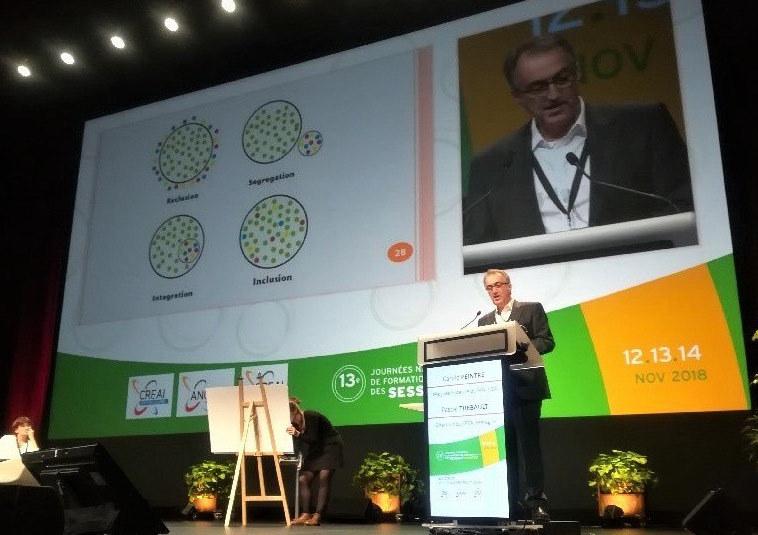 Pascal Thébault, à la tribune, a brossé l'évolution du paysage médico-social avec Carole Peintre.