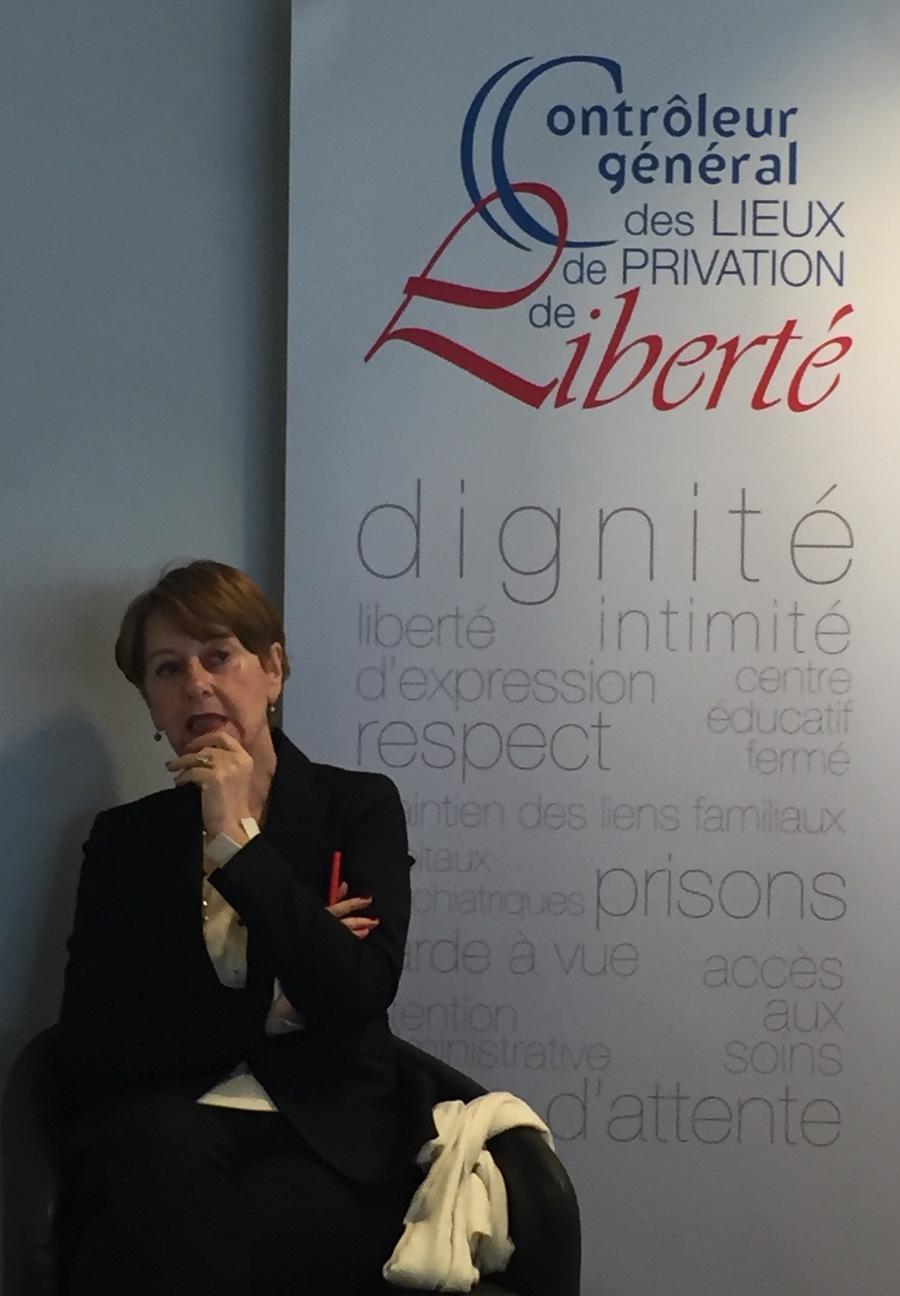 Adeline Hazan présente le rapport annuel sur 2018 du contrôleur général des lieux de privation de liberté.