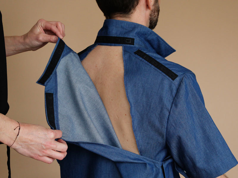 Une chemise anti-escarres a été développée en concertation avec l'équipe de l'USP de Cognacq-Jay.