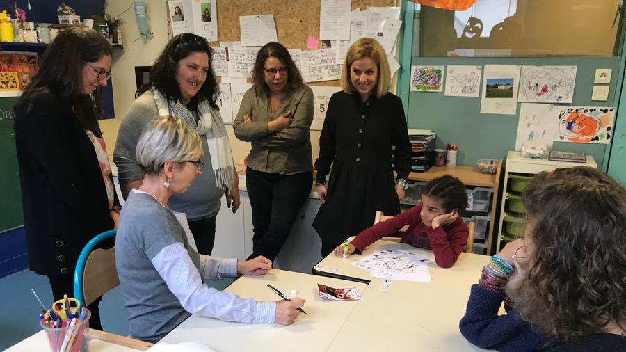La mallette pédagogique a été coconstruite par les parents, les professionnels et les jeunes accueillis au centre pour enfants sourds-plurihandicapés.