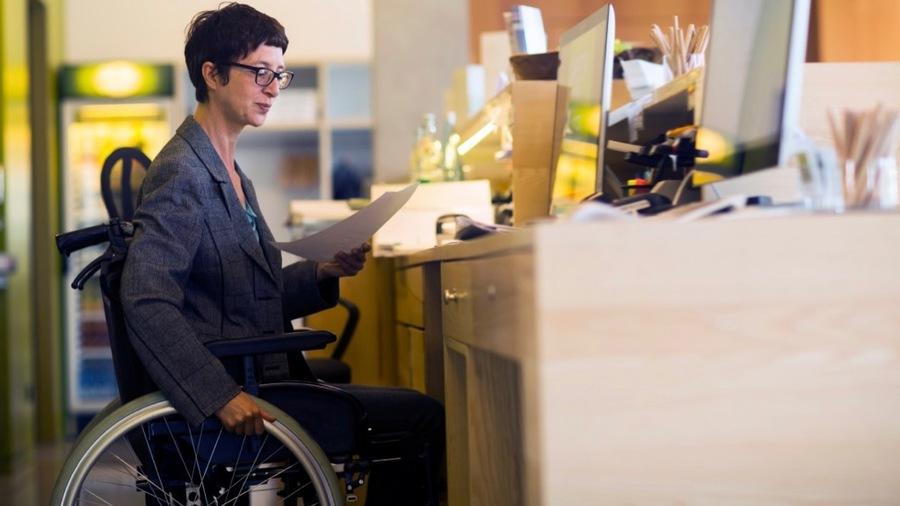 L'expérimentation EATT va permettre aux entreprises impliquées d'engager des personnes en situation de handicap en contrat d'intérim.
