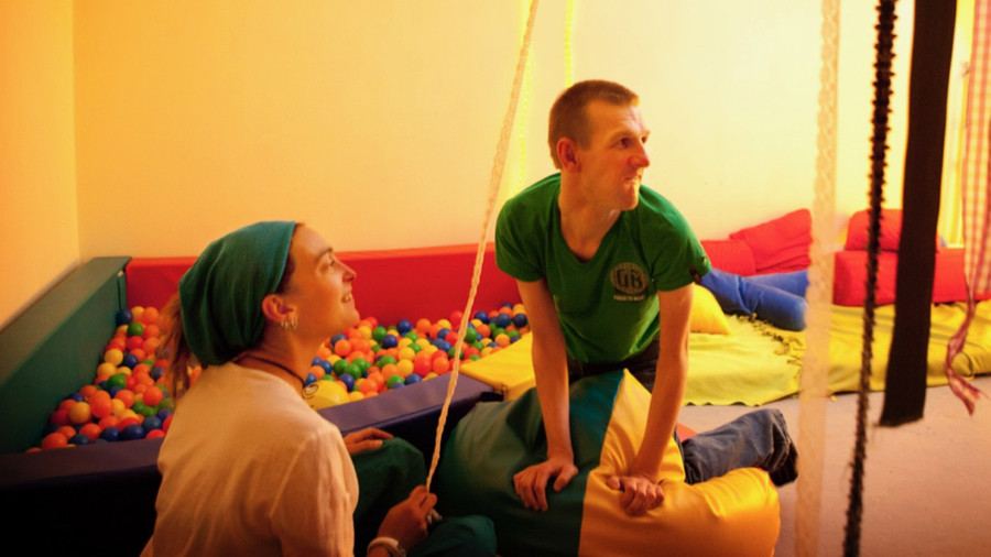 L'un des prochains axes de travail concerne la création d'unités dédiées aux adultes autistes animées par des professionnels formés aux thérapies comportementales. (Amélie Benoist/BSIP)