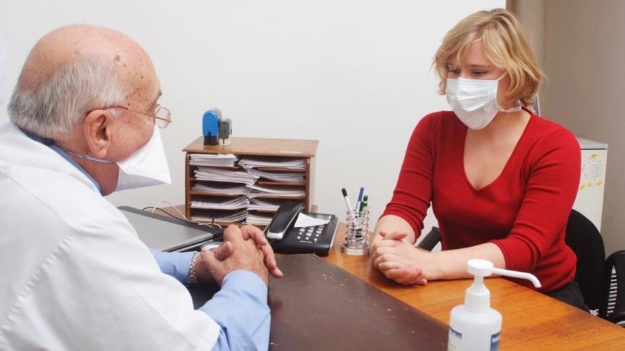Les professionnels de santé libéraux sont mobilisés dans la gestion de crise et joueront un rôle crucial pour la suite. (Humbert/BSIP)