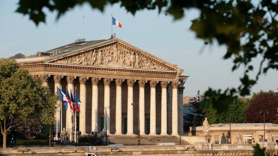 Le projet de loi prévoit la poursuite des SI Covid et de la conservation des données jusqu'au 1eravril2021. (Assemblée nationale)