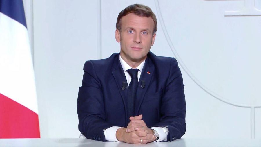 """Le président Emmanuel Macron a déclaré les mesures prises """"insuffisantes pour endiguer une vague qui touche toute l'Europe"""". (capture d'écran Gouvernement)"""