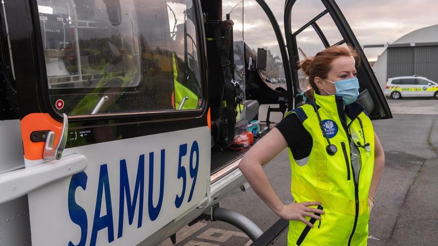Trois premiers patients suivis en réanimation pour Covid-19 des Hauts-de-France ont été transférés dans deux hôpitaux allemands en prévention des tensions hospitalières. (Davy Rigault/CHU Lille)
