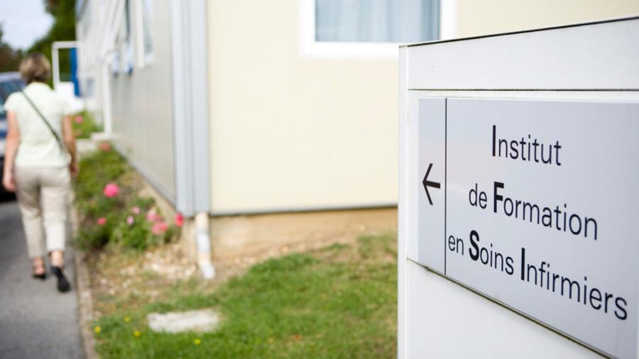 Un arrêté paru ce 6 janvier encadre l'adaptation de la formation à la crise sanitaire. (IMANE/BSIP)