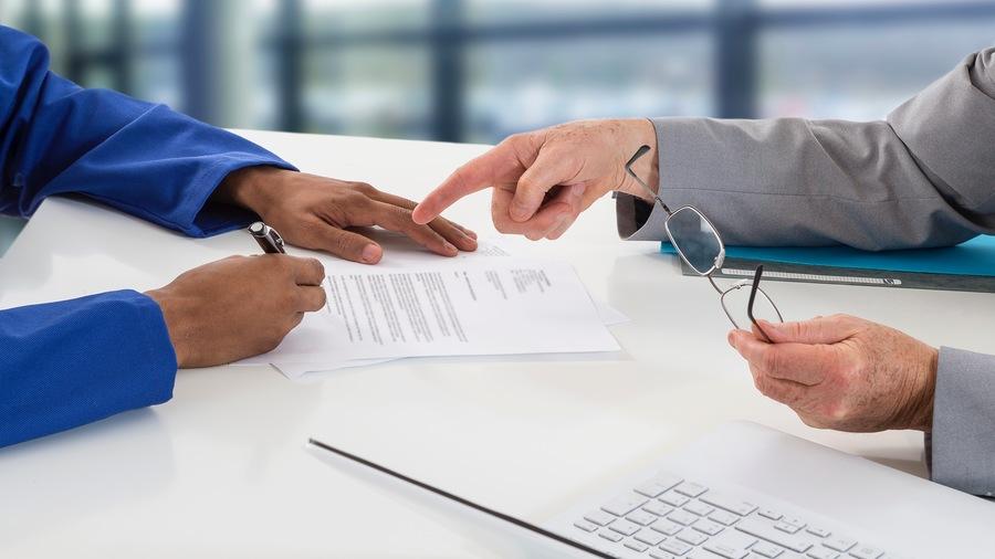 La nomination des chefs de pôle et de service se fera, au sein des hôpitaux, sur décision conjointe du directeur et du président de la commission médicale d'établissement. (Chassenet/BSIP)