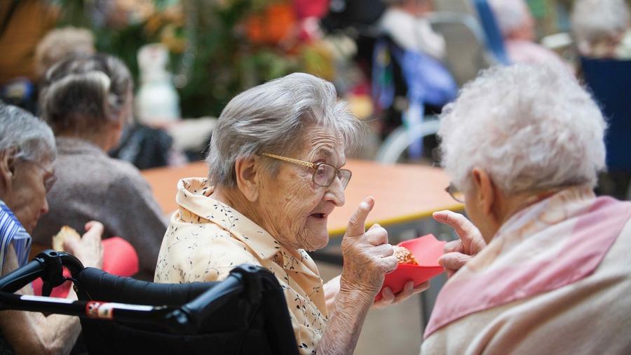 Pour la Fnadepa, une réforme profonde de l'accompagnement des personnes âgées passe par ses 25 propositions. (Amélie Benoist/BSIP)