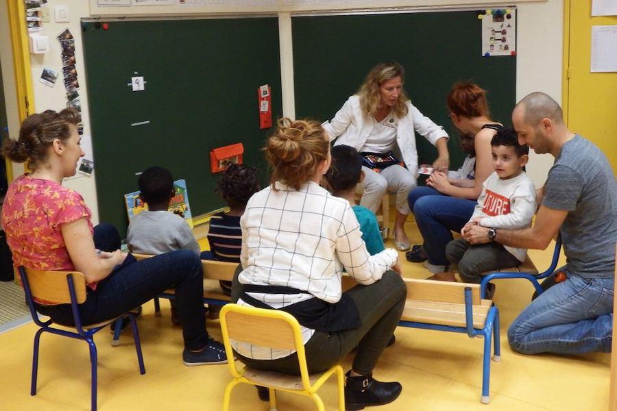 Tous les enfants progressent mais pas de la même manière en UEMA. (Emmanuelle Deleplace/Hospimedia)