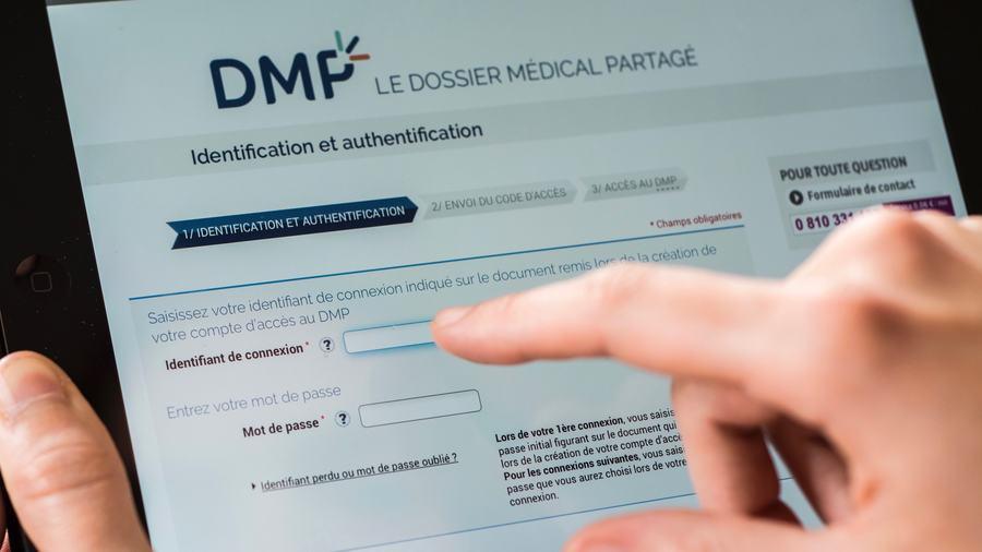 Les crédits Ségur doivent permettre d'accélérer la modernisation et l'interopérabilité des SI de santé. L'accès et la consultation du DMP sont identifiés comme des usages prioritaires pour les champs de la radiologie et de la biologie médicale. (Furgolle/BSIP)